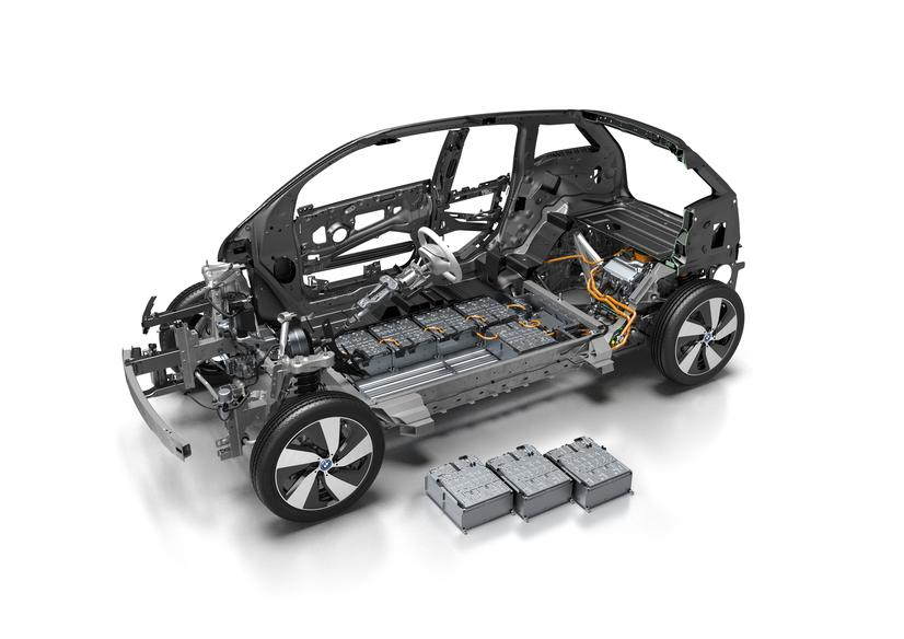 bmw-i3-cutaway-33-kwh-pack-modules.jpg