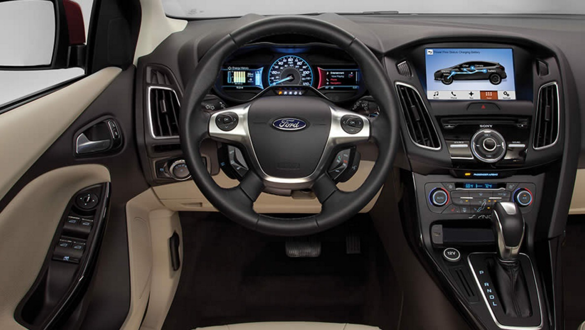 2017-Ford-Focus-Electric-interior.jpg