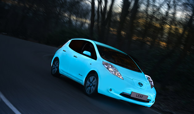glow-in-the-dark-nissan-leaf.jpg
